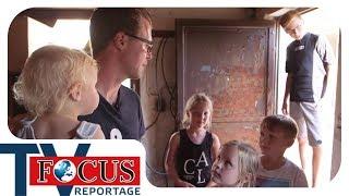 Urlaub mit wenig Geld: Zẁei Großfamilien auf Reisen | Teil 1 | Focus TV Reportage