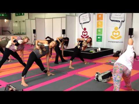 OM Yoga Show 2013 -Dog Yoga with Mahny Djahanguiri