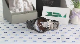 Trên Tay Chiếc Đồng Hồ Nam GUESS - Black Round Diamond Watch