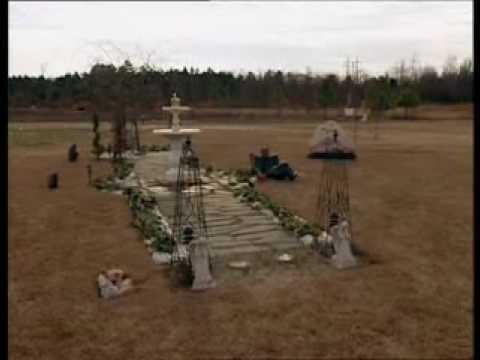 Tupac's Memorial Grave