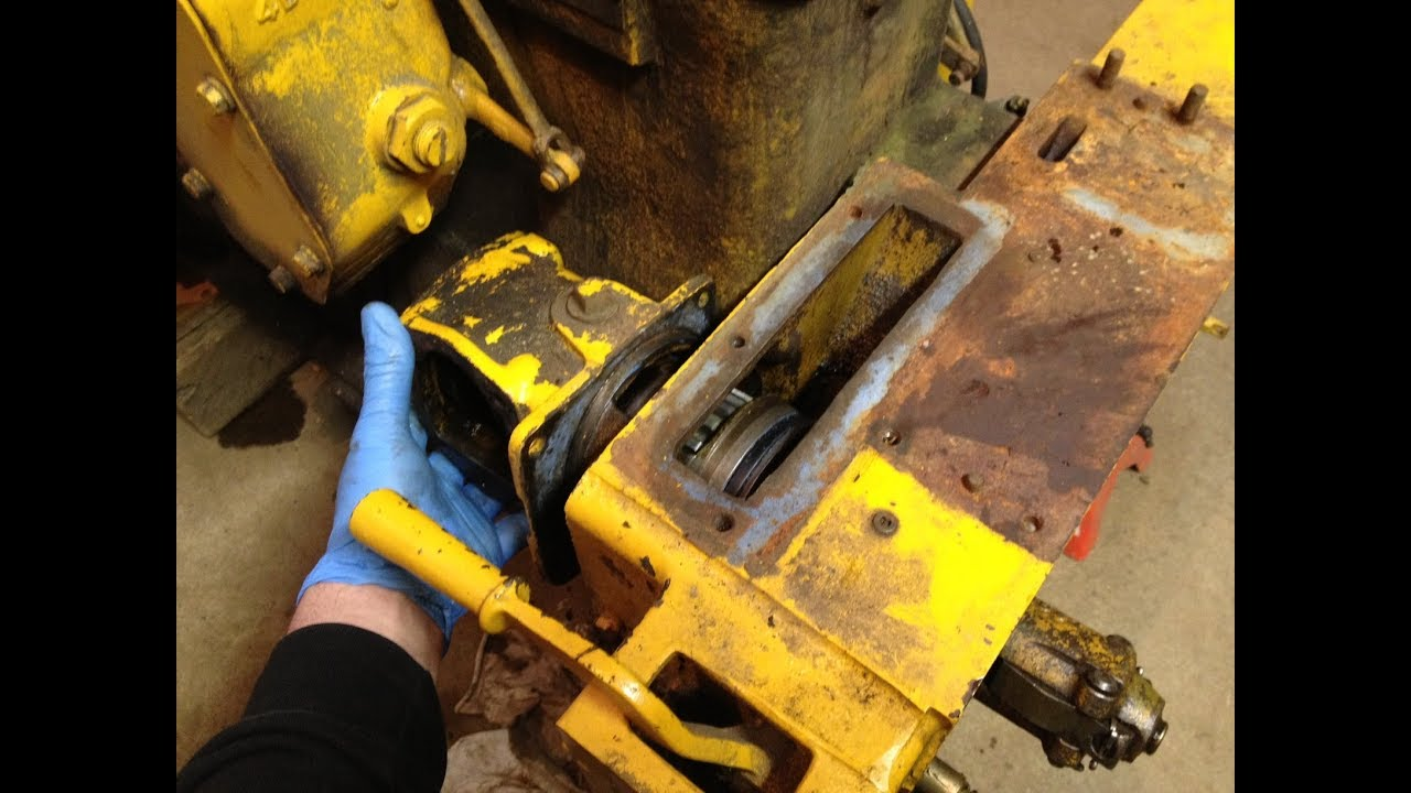 Caterpillar D2 Starter Pinion Drive Removal Sequence - 3J and 5J Series  Tractors