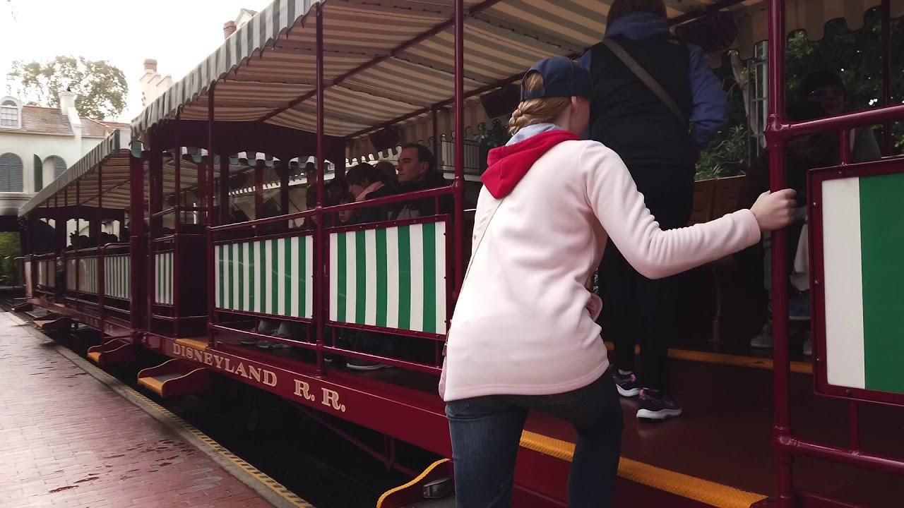 Disneyland Trandsportation