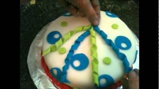 Decoracion Pasta Laminada de Bizcochos (Cake Decorating: Fun With Fondant)
