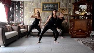 Kaala Chashma Dance Cover and Tutorial by Nidhi Kumar ft. Shimoli & Indhu