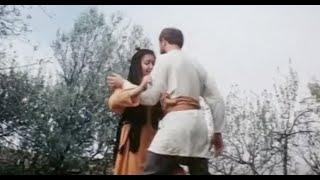 Фильм Непобедимый (1983) -  Умные, добрые люди - должны уметь постоять за себя!