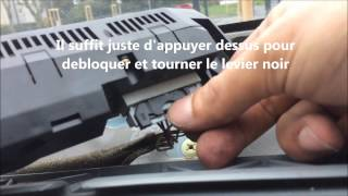 Démonter l'afficheur central de Twingo - Changement d'ampoule