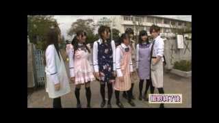 左から、永尾まりや(緑)、小林茉里奈(ピンク)、中村麻里子(青)、島...