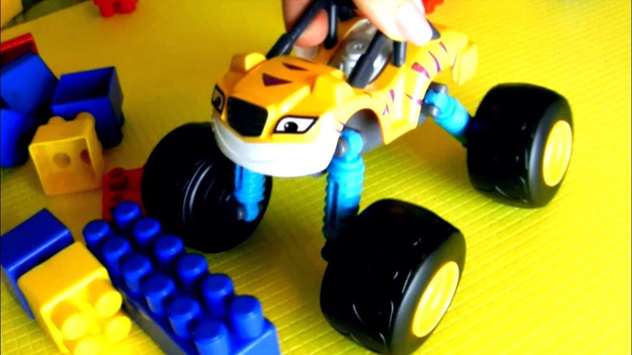 """Рык и Огурчик. Видео с игрушками """"Вспыш и чудо - машинки ..."""