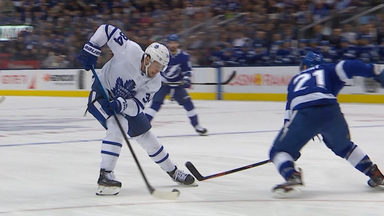 Auston Matthews undresses Point for a gorgeous tally