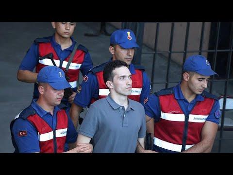 محكمة تركية تطلق سراح جنديين يونانيين متهمين بالتجسس  - نشر قبل 3 ساعة