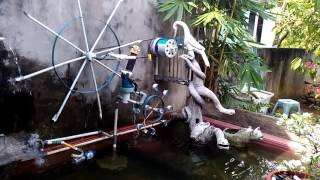 Kincir air kolam taman
