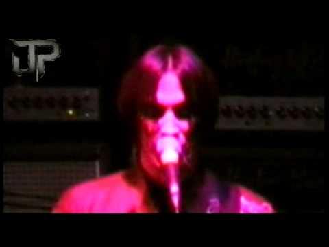 """Get Down Make Love"" Nuno Bettencourt,Mike Mangini,London 98"