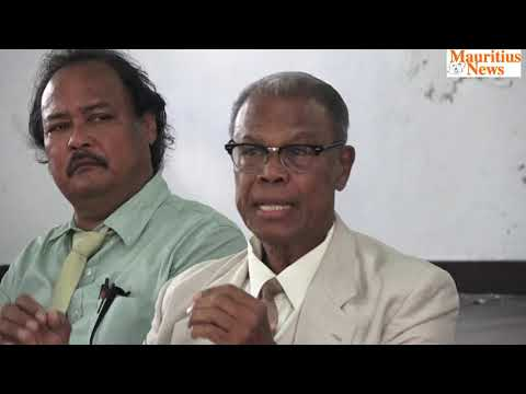 Mauritius News: Eliézer François et des travailleurs sociaux face à la presse