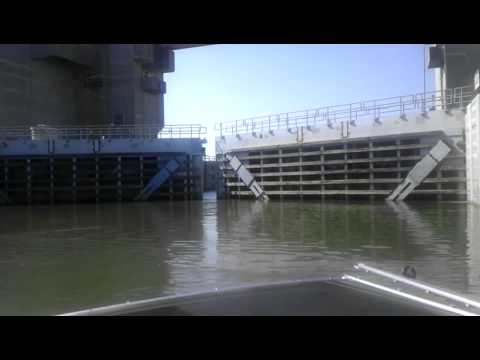 lock and dam 25 Mississippi river Alton IL.
