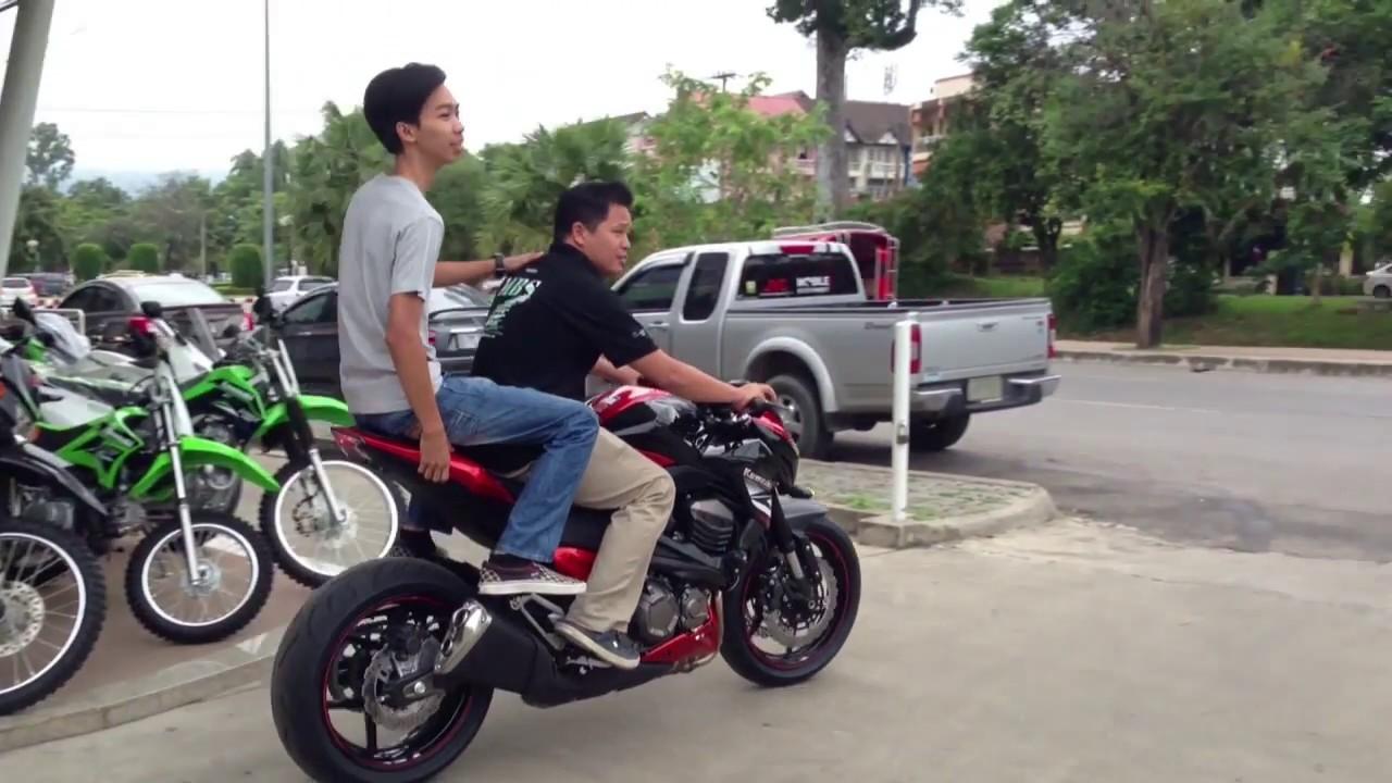 08 31 Neng And His Kawasaki Z800 Orange Chiang Mai