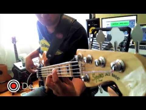Alex Rojas: Bass solo
