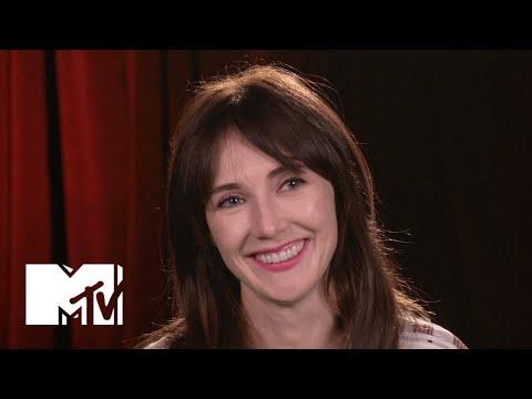 Game of Thrones Star Carice van Houten Goes BTS of the Jon Snow Seduction | MTV News