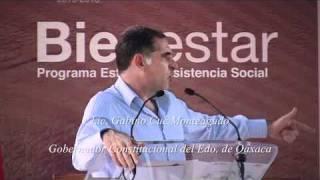 Inicia Gabino Cué entrega de Uniformes y Útiles Escolares en Putla de Guerrero