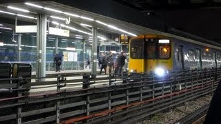Rare (Train) Move @ Stratford Station London(, 2013-01-27T02:13:40.000Z)