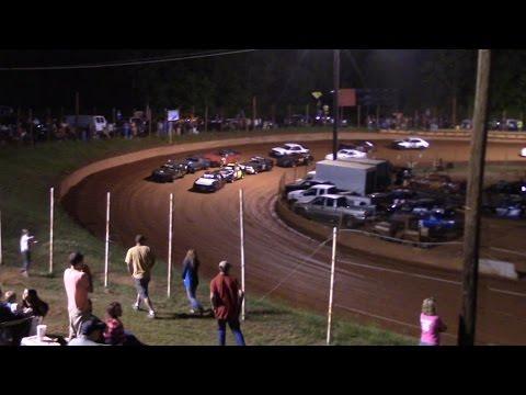 Winder Barrow Speedway Stock Four Cylinder Race 4/23/16