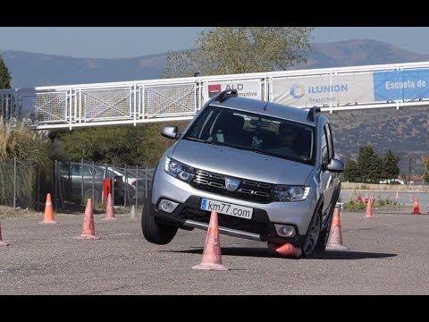 Dacia Sandero Stepway 2017 - Maniobra de esquiva (moose test) y eslalon   km77.com