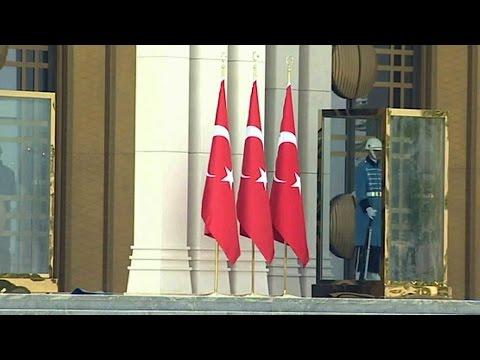 Президент Турции официально извинился за сбитый Су-24 и гибель российского летчика.