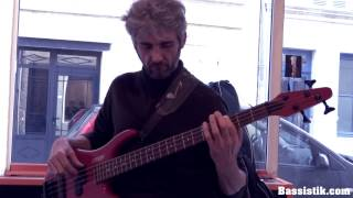 """Bassistik school - Ludovic plays  """"In the colors"""" by Ben Harper (bass cover)"""