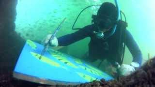 Primer peruano en pintar debajo del mar