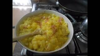 Omelette With Potatoes, Onions And Bacon - Frittata Di Patate, Cipolla E Speck Di Anna Muscetti