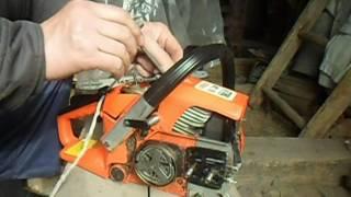 видео Как установить цепь электропилы и заменить режущую часть?