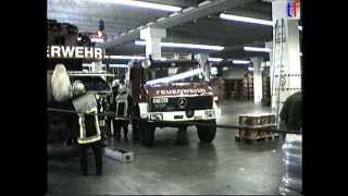 Feuerwehr Stuttgart: Forklift down elevator shaft / Gabelstapler in Aufzugsschacht abgestürzt. 1995