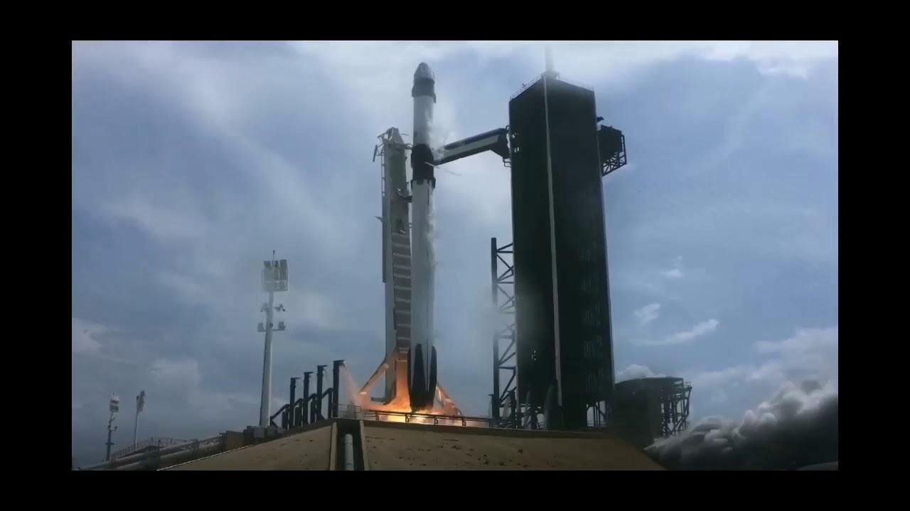 Momento del lanzamiento histórico por parte de Nasa y SpaceX