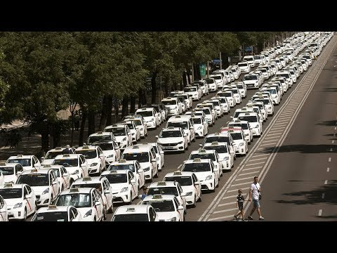 Spanish taxi drivers call for strikes nationwide