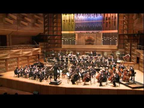 Banda Sinfonica Juvenil Simon Bolivar - Bill Whelan/de Meij - The Seville Suite