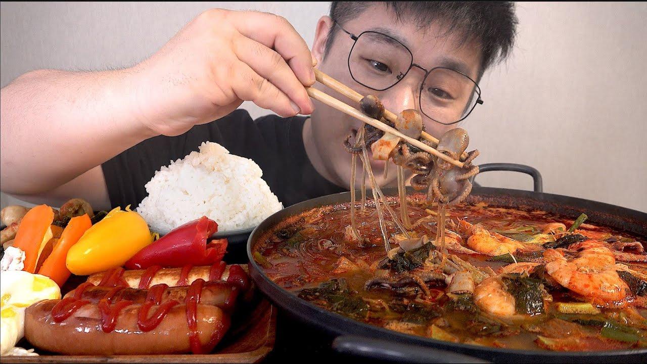 먹방창배tv 주꾸미새우곱창전골 시원하게 맛사운드 대박 레전드 Seafood tripe stew mukbang Legend koreanfood asmr