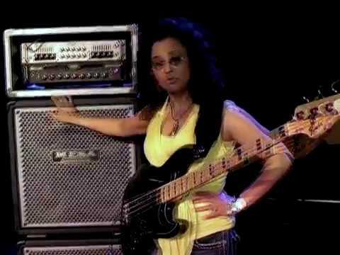 Rhonda Smith Plays Mesa Boogie