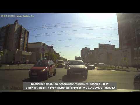 видео: Водитель нарушитель едва не сбил коляску с ребенком