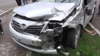 Aksaray'da 2 otomobil çarpıştı: 2 ağır yaralı AKSARAY YENİGÜN GAZETESİ