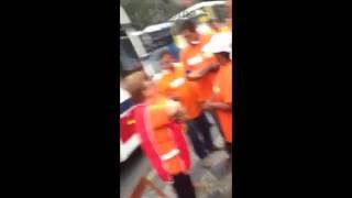 Folha de São Paulo testemunha distribuição de dinheiro em ato petista no RJ