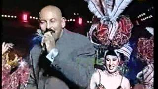 Oscar de León. Castellano que bueno baila usted. Carnaval Tenerife 2000