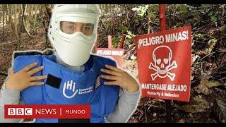 Esta colombiana arriesga su vida retirando minas de las FARC