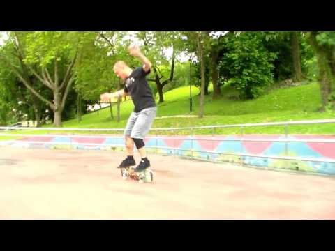 Skateboarding in Singapore (freestyle)