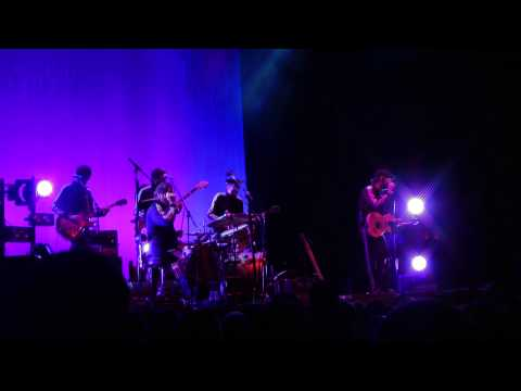 EELS-Bombs Away (Live At The Brighton Dome 25/03/2013)