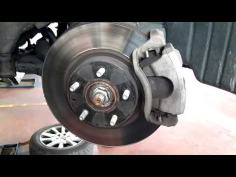 Замена передних тормозов Mazda 6