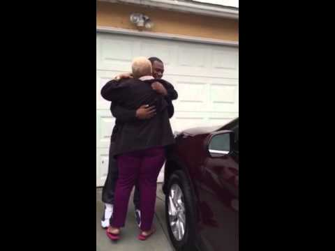 Broncos RB C.J. Anderson surprises grandmother with new car