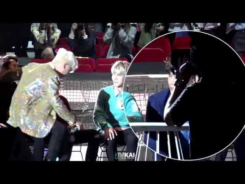 [FANCAM] 151202 MAMA exo kai focus when seungri sat on sehun's legs Mp3