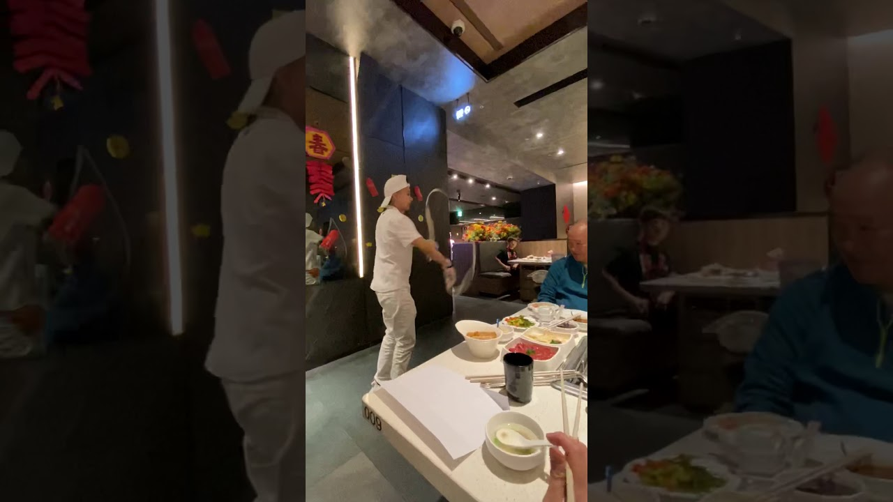 2020-01-18 海底撈(京站)甩麵 - YouTube