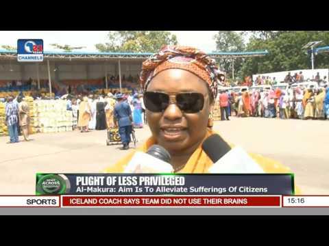 News Across Nigeria: Mrs Buhari Distributes Food Items To Nasarawa Residents