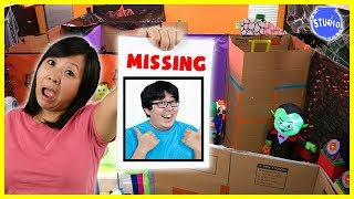 RYAN'S DADDY IS MISSING in the Giant Spooky Halloween Maze + Zombies!