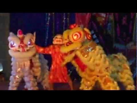 Lion dance - Gangnam style.THPT Chu Van An.pt.ag